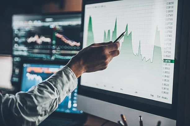 análisis de datos. - inversión fotografías e imágenes de stock
