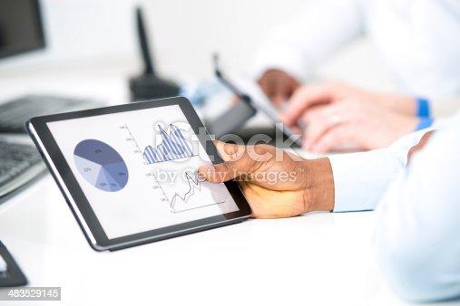 istock Analyzing 483529145