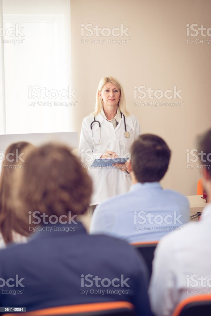 Anatoy professor and students in classroom royalty free stockfoto