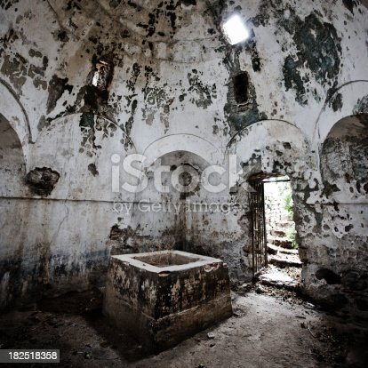 istock Ancient Abandoned Hot Baths in Traianoupolis Thermal Bath Interior 182518358
