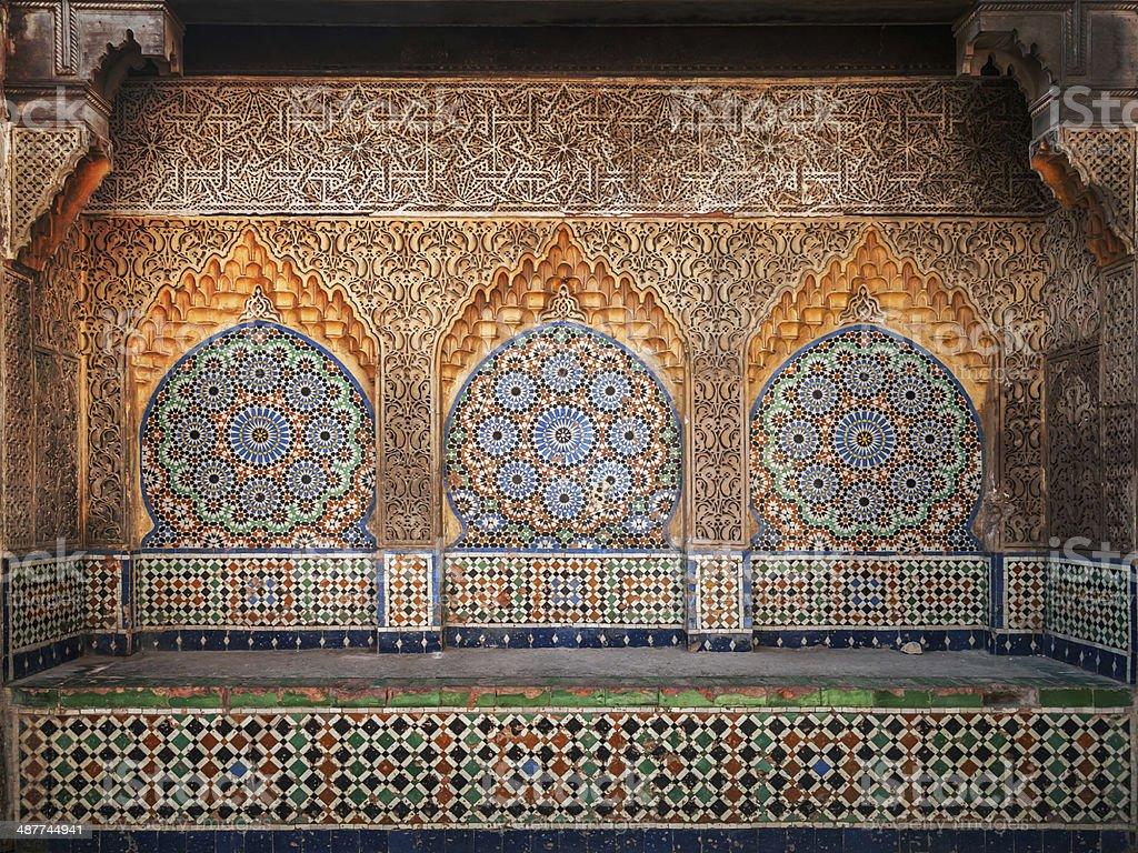 Antica arabo nicchia con mosaico nella medina tangeri tetouanmarocco
