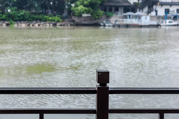Antiguo canal y paisaje sin río - foto de stock