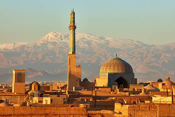 antike stadt yazd in sonnenaufgang ampel. iran - iranische stock-fotos und bilder