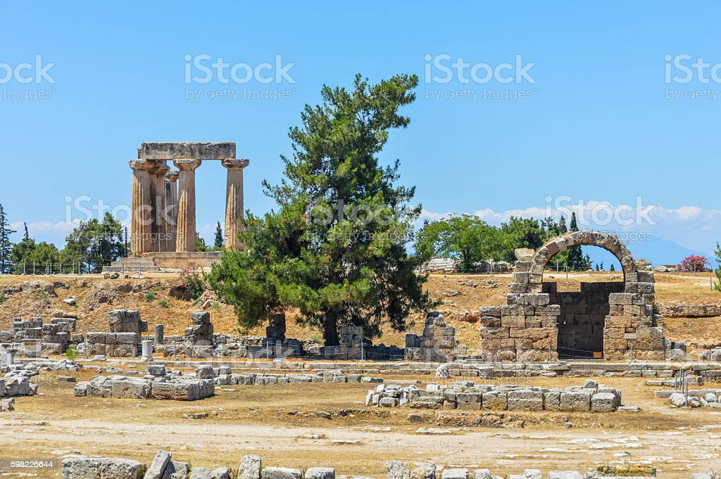 Ancient Corinth, Greece - The Temple of Apollo foto royalty-free