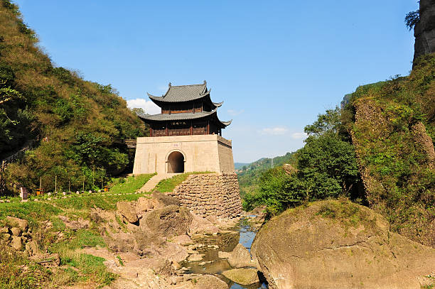 ancient gate tower of china (jianmen guan) - chinese military bildbanksfoton och bilder