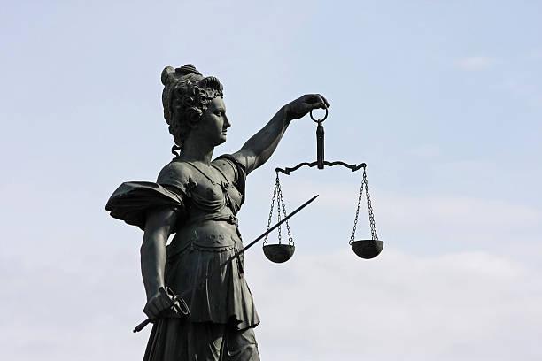 Alte Lady Justice statue half-Profil – Foto
