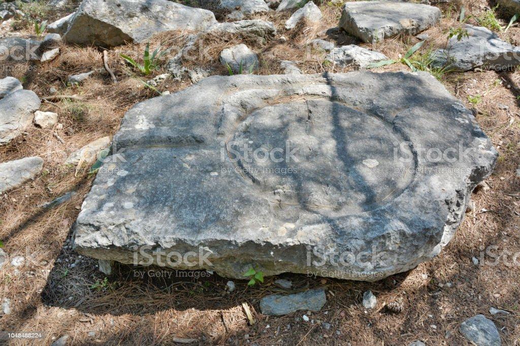 Antik Zeytin basın Türkiye'de taştan oyulmuş. stok fotoğrafı