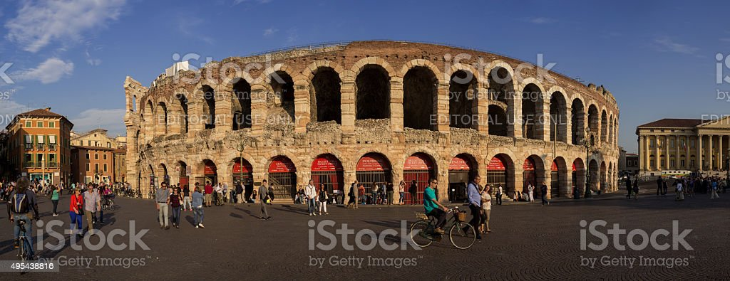 Antiken römischen amphitheater Arena di Verona in Italien – Foto