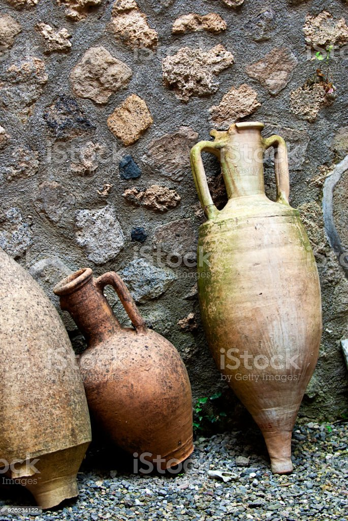 amphores romaines antiques à Pompéi - Photo