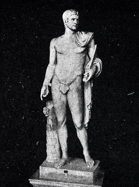 antike rom, statue des kaisers caligula - caligula film stock-fotos und bilder