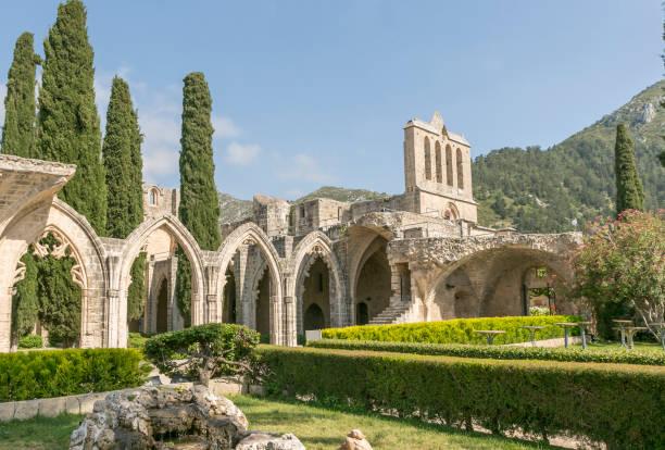Antik berbat Bellapais Manastırı manastır köyü Beylerbeyi Kıbrıs Türkiye stok fotoğrafı