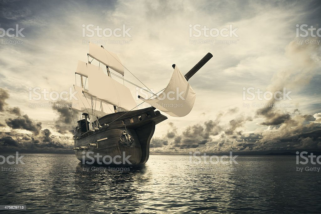 Antiguo barco en el mar - foto de stock