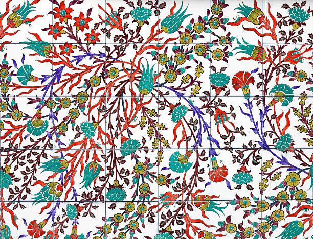 alte fliesen muster auf keramik-wand - türkische fliesen stock-fotos und bilder