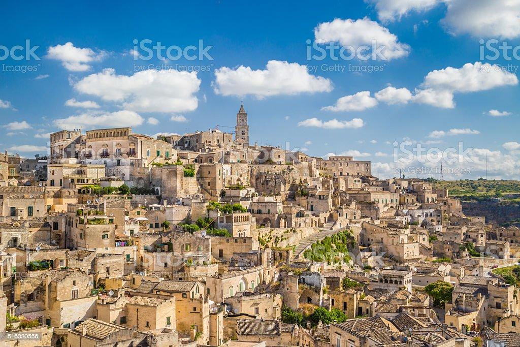 Antica città di Matera all'alba, Basilicata, Italia - foto stock