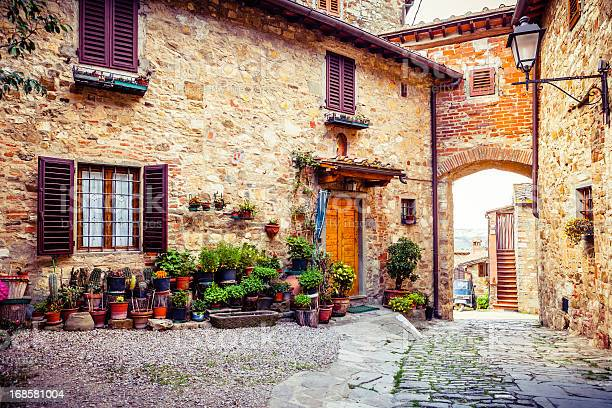 Ancient village in tuscany italy picture id168581004?b=1&k=6&m=168581004&s=612x612&h=c9omxur7l0hdoscxh17cxl 5mfplgui2wfuyaiyu di=