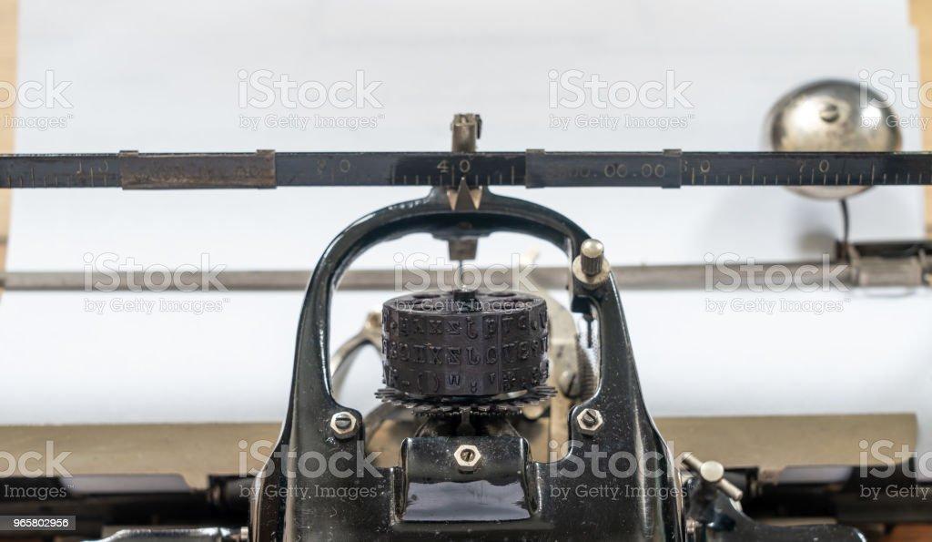 Ancient vintage portable typewriter with ball type typeface head - Royalty-free Afazeres Domésticos Foto de stock