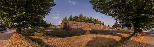Antike Mauern von Lucca – Foto