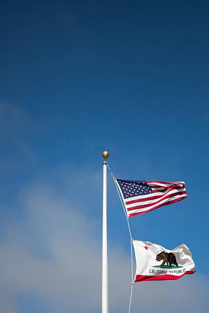Estado de los Estados Unidos y la bandera de california - foto de stock
