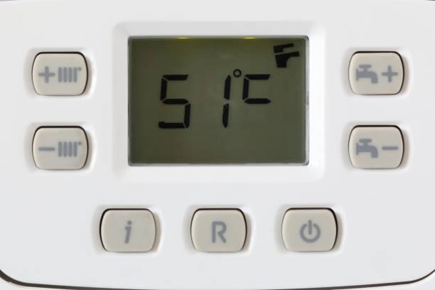 pantalla lcd y panel de control de calderas de gas - numero 51 fotografías e imágenes de stock