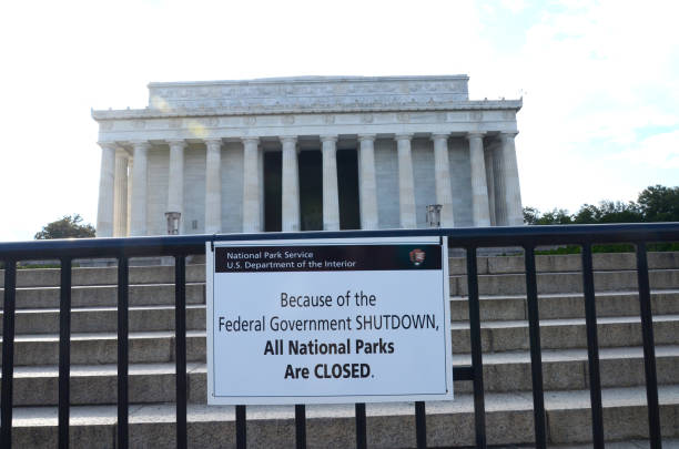 WWII and Linclon Memorials CLOSED because of the Federal Government SHUTDOWN (2013) National monuments and museums in Washington DC were closed during the U.S. governemnt shutdown in 2013. 2013 stock pictures, royalty-free photos & images