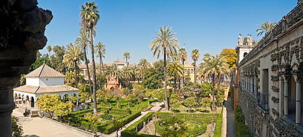 Andalucía, España encantador jardín moro Real palacio de Alcázar de Sevilla-VISTA PANORÁMICA - foto de stock