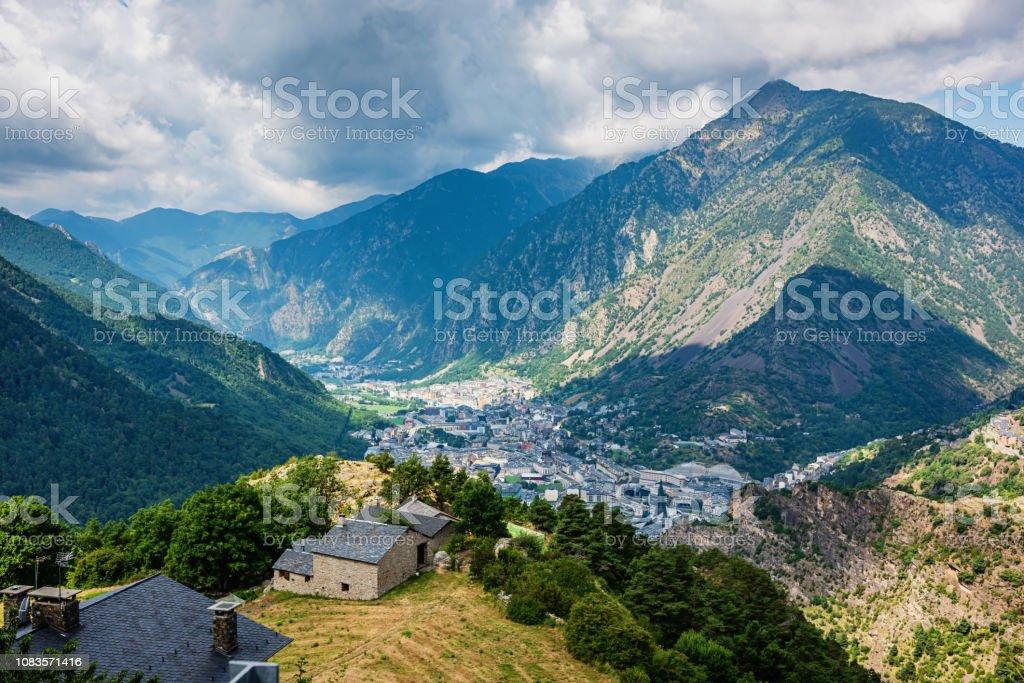 Montanhas dos Pirinéus Andorra La Vella - foto de acervo