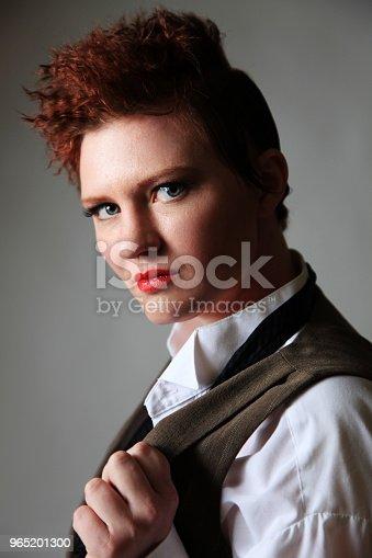 Androgynous Fashion Female - Stockowe zdjęcia i więcej obrazów 30-34 lata