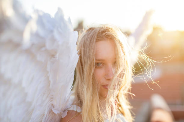 Angel looking at camera – zdjęcie