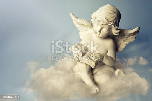 istock Angel on the cloud 889563004