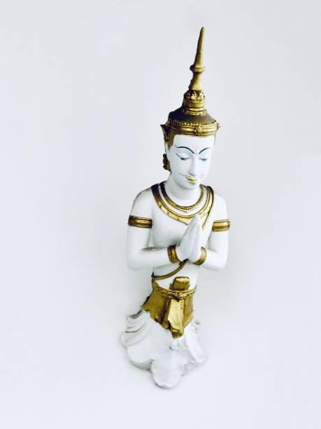angel statue in keereewong temple, nakornsawan thailand - buddha figuren kaufen stock-fotos und bilder