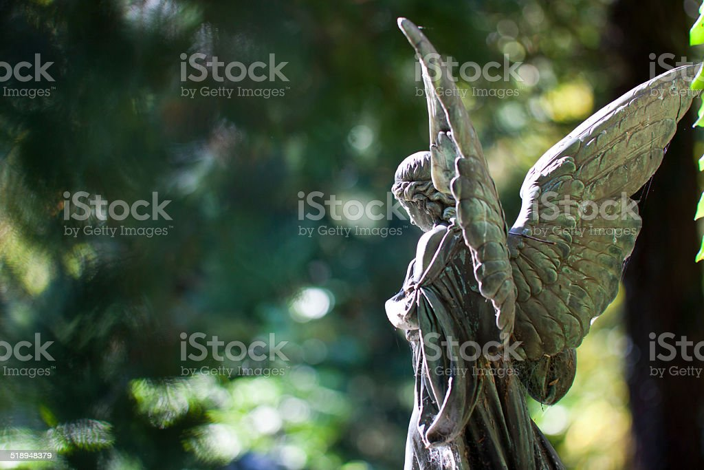 Estatua del ángel - foto de stock