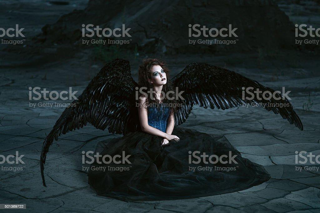 Angel z czarny wings – zdjęcie