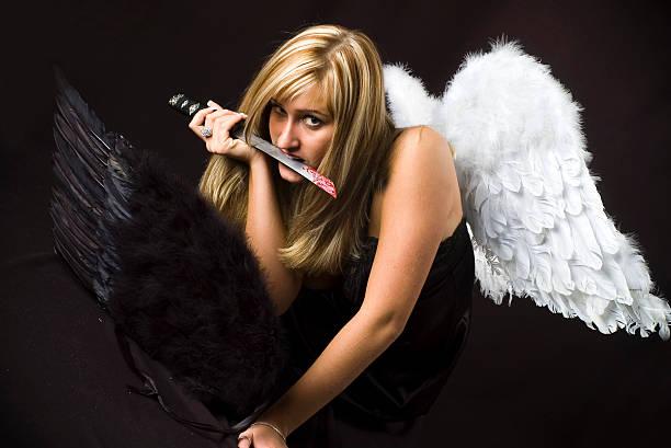 angel mit stahl schwert und one more wings - killer workouts stock-fotos und bilder