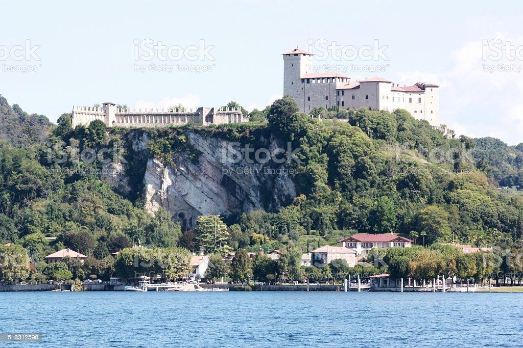 Angera E Rocco Al Lago Maggiore Vista Di Arona Italia Fotografie Stock E Altre Immagini Di Acqua Istock