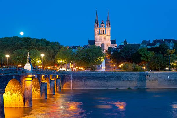 Angers im Sommer-Nacht – Foto