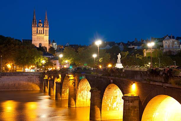 Angers bei Nacht – Foto