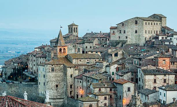 Anghiari cityscape at dusk, Tuscany Italy Anghiari cityscape at dusk, Tuscany Italy arezzo stock pictures, royalty-free photos & images