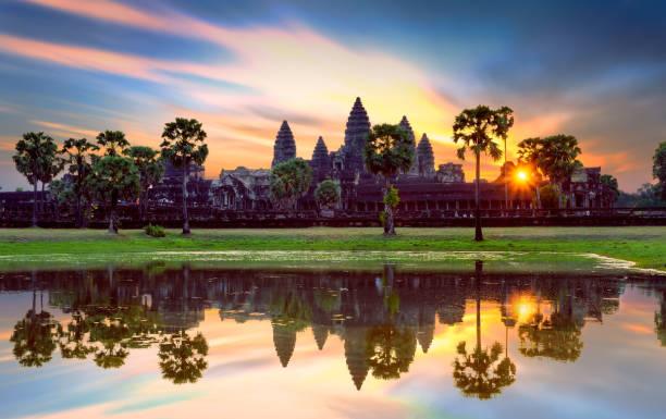 Angkor Wat bei Sonnenaufgang, berühmter Tempel in Siem Reap, Kambodscha. – Foto