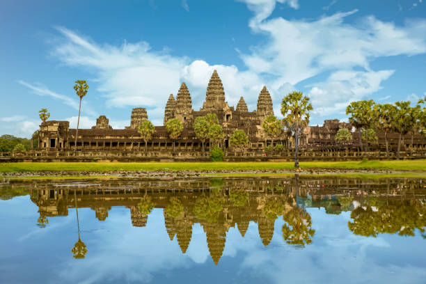 Angkor Wat ist eine Tempelanlage in Kambodscha und das größte religiöse Bauwerk der Welt. Siem Reap, Kambodscha. Künstlerischen Bild. Beauty-Welt. – Foto