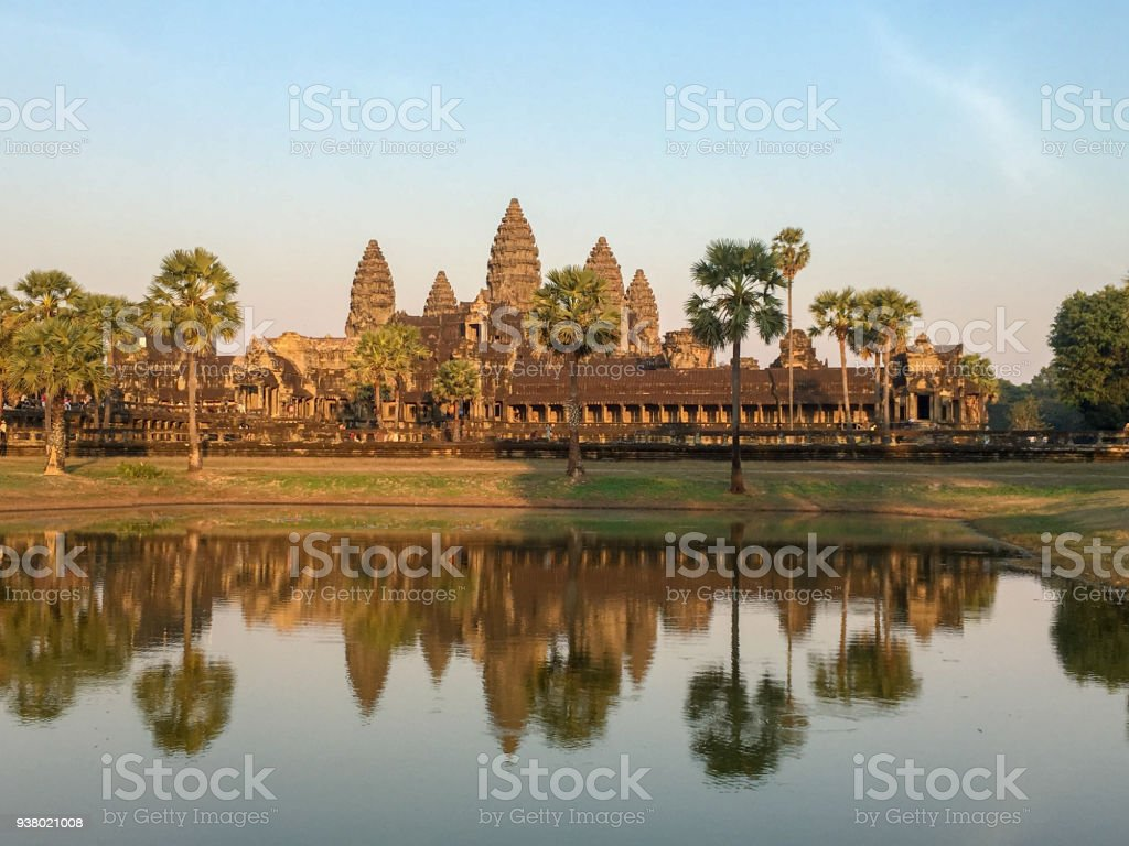 Angkor Wat, Khmer-Architektur und das Welterbe in Siem Reap Kambodscha mit Wasser reflektieren bei Sonnenuntergang – Foto