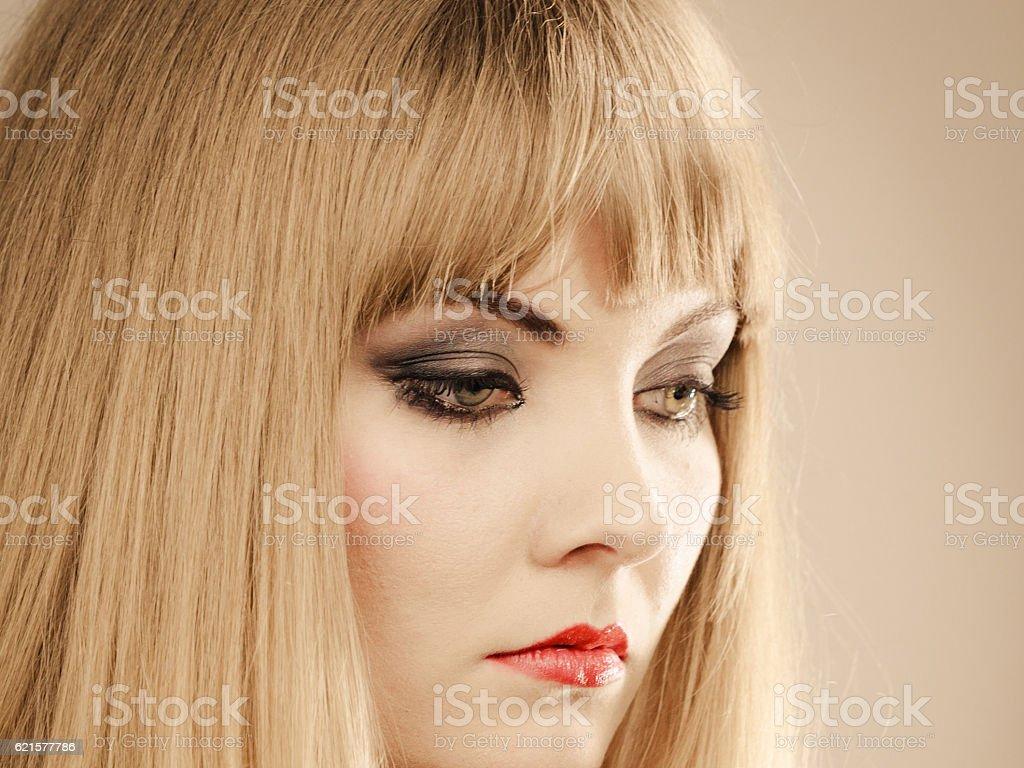Angry dissatisfied elegant woman lady. photo libre de droits