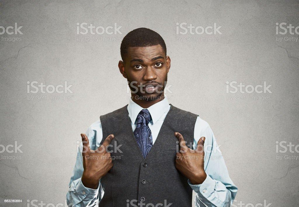 Kızmaya kızgın, mutsuz rahatsız, kaba yürütme delikanlı, stok fotoğrafı