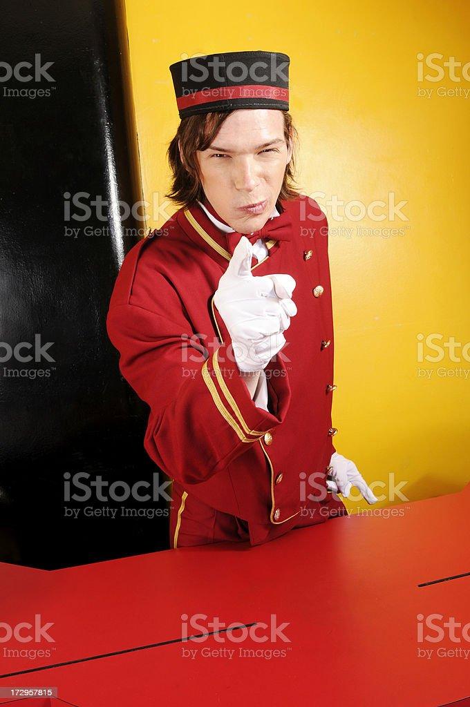 Angry iniciar o Bellboy - foto de stock