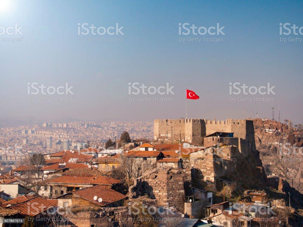 Burg von Ankara und türkische Fahne – Foto