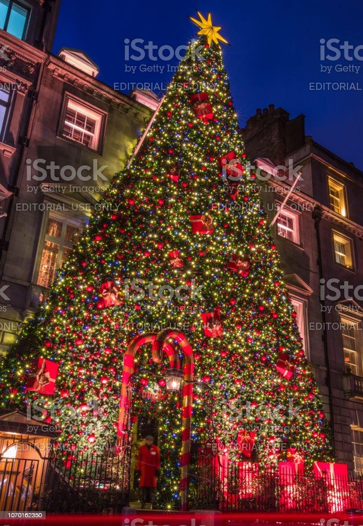 England Christmas.Annabels In Mayfair At Christmas London Uk Stock Photo