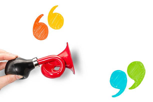 Annonce Trompette et de guillemets avec espace vide - Photo