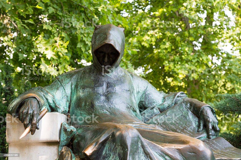 Anónimo chronicler-Anonymus szobor-Budapeste - fotografia de stock