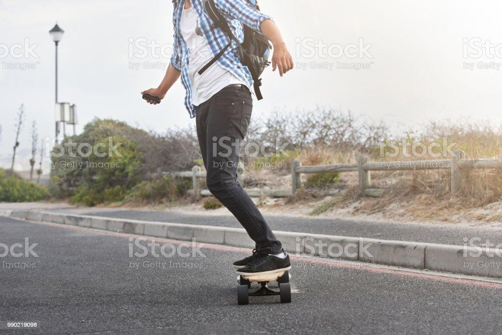 Anonyme elektrische skateboarder – Foto