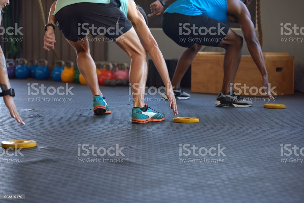 Anonymen Menschen Longieren in der Turnhalle in einem Fitness-sprint – Foto