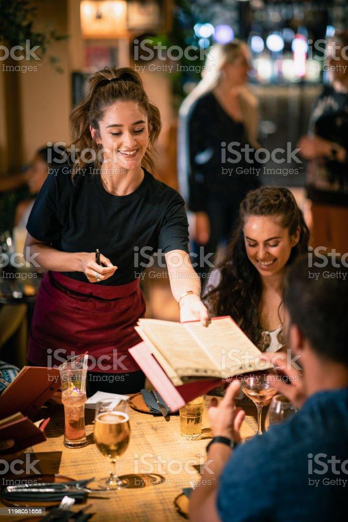 Otro menú para su mesa - Foto de stock de 20 a 29 años libre de derechos